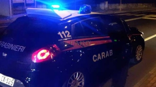 Incidente Fondo Valle Tappino: invade la corsia e scappa